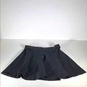 Old Navy Skirt sz. 8 Black with Zip Good Condition